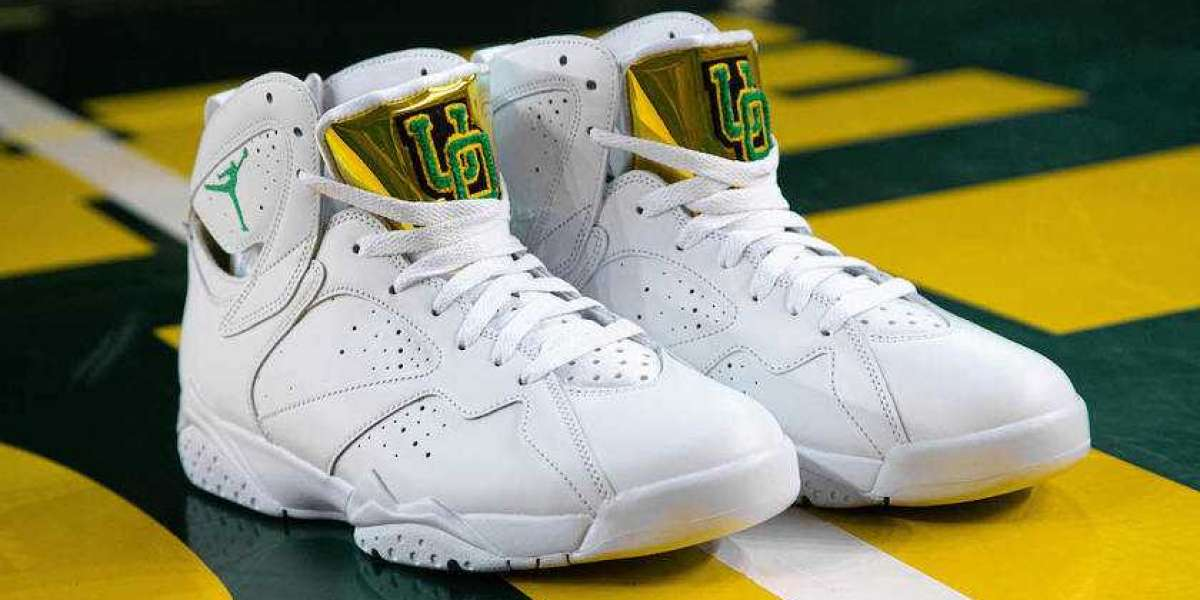 """This Air Jordan 7 """"Oregon Ducks"""" will be unveiled in the NCAA Tournament starting on March 21st"""