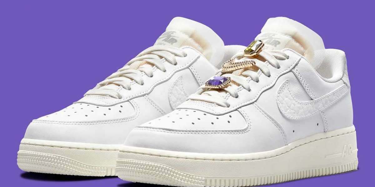 """Nike Air Force 1 Low """"Bling"""" DN5463-100 will be released soon"""